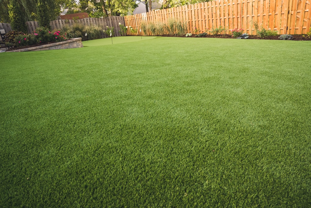 artificial-lawn-chicago-hinsdale-landscape-synthetic-turf-1-min
