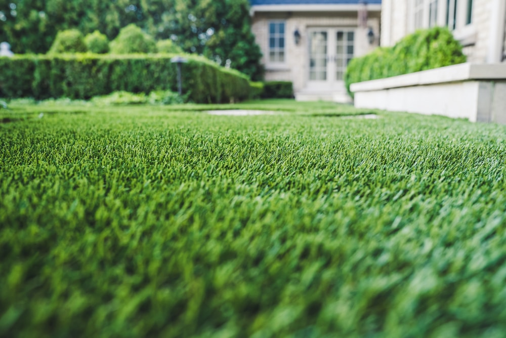 artificial-lawn-chicago-hinsdale-landscape-synthetic-turf-2-min