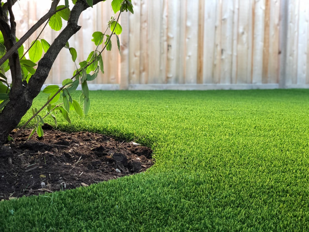 artificial-lawn-chicago-stcharles-landscape-synthetic-turf-grass-patio-stones-fake-grass-artificial-grass-1-min