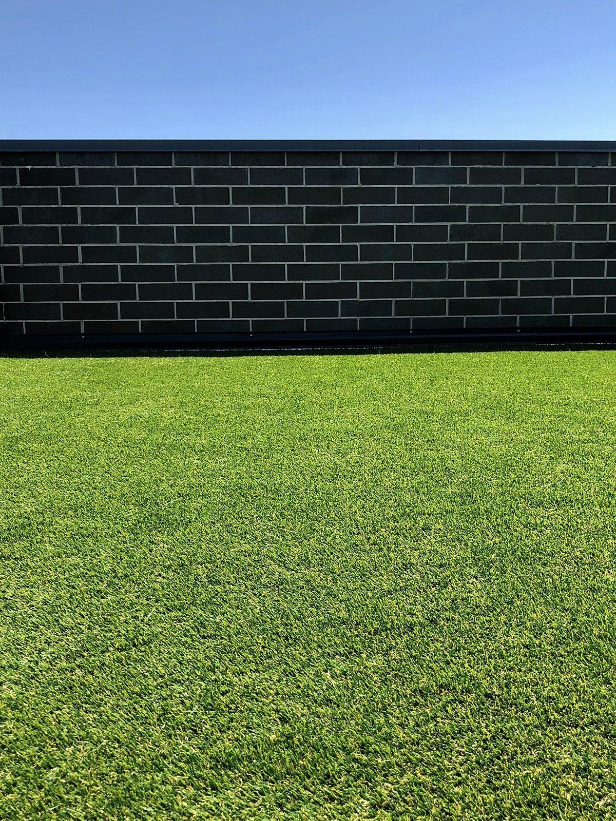 rooftop-lawn-grass-chicago-artificial lawn-turf-turf company-rooftop lawn-rooftop landscape-artificial grass-pet turf-1-min