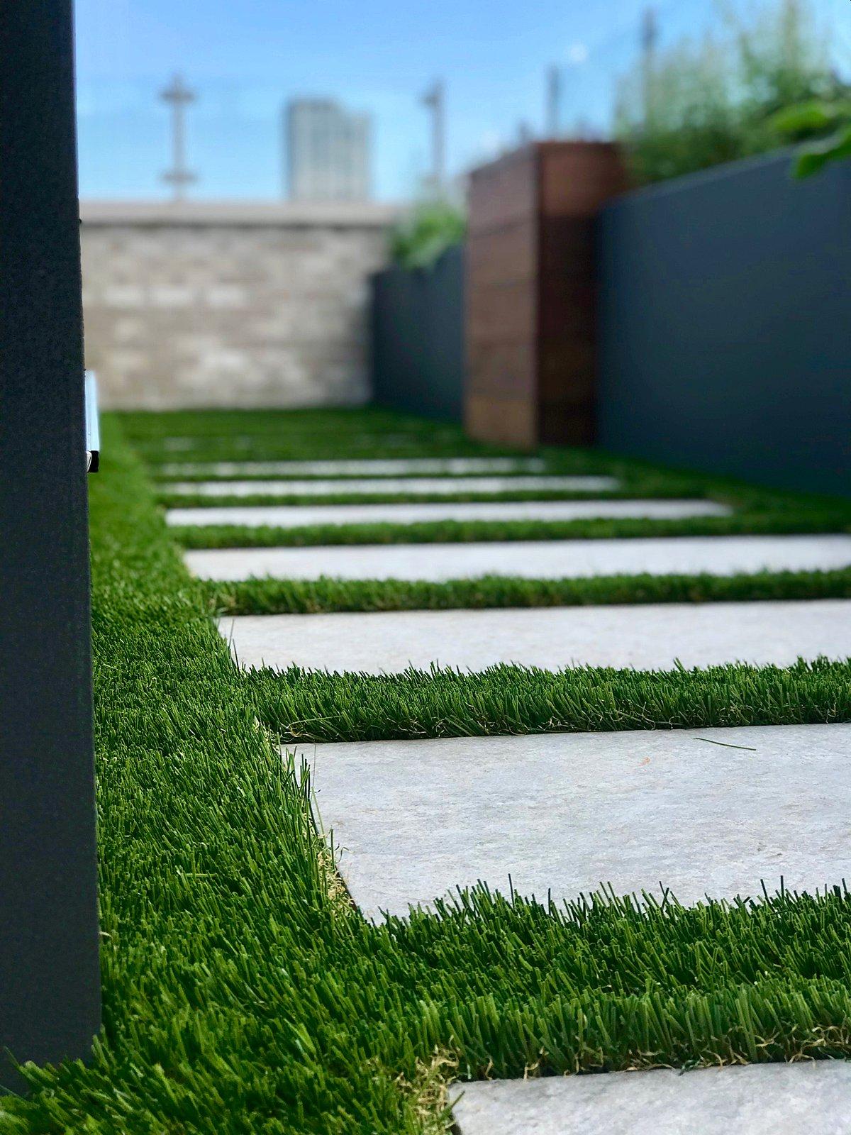 rooftop-lawn-grass-chicago-artificial lawn-turf-turf company-rooftop lawn-rooftop landscape-artificial grass-pet turf-7-min