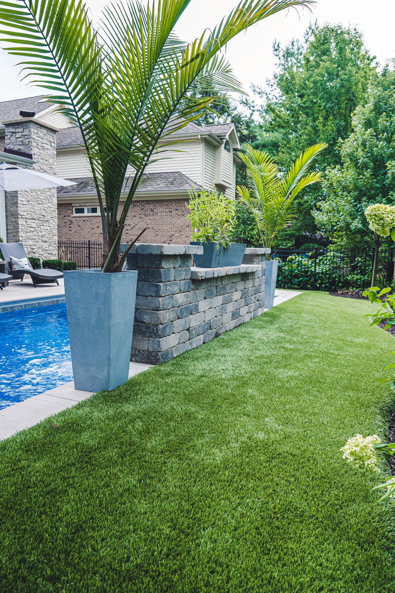 Artificial-Lawn-Poolside-Yard-Naperville