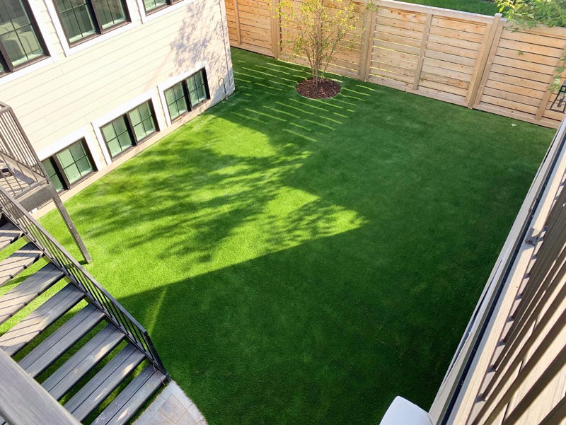Chicago-MultiFamily-Yard-Common-Space-Grass-GroTurf