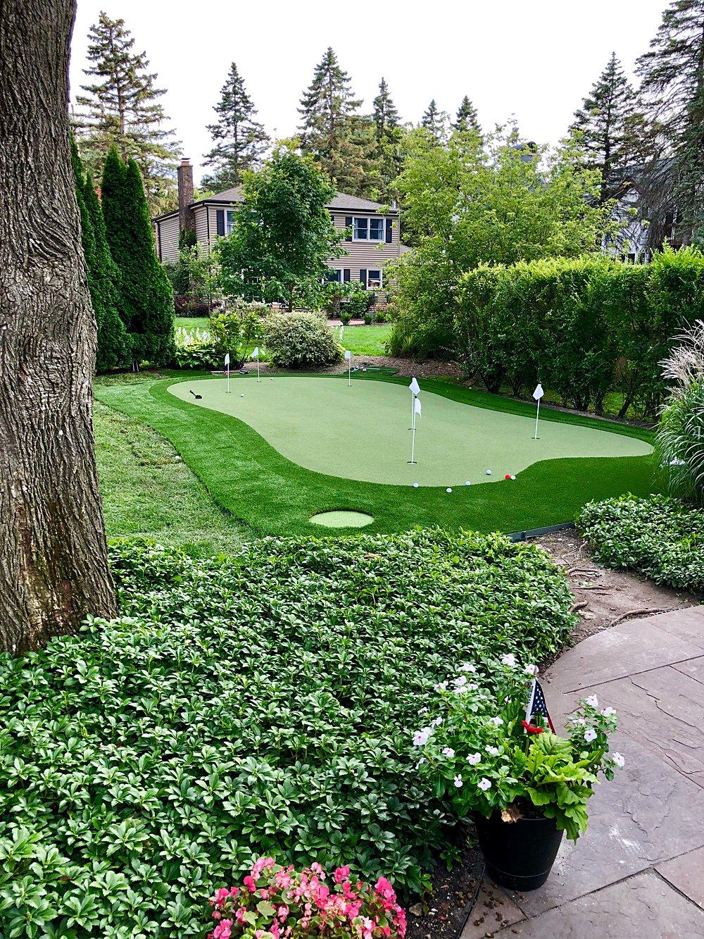 Arlington-Heights-putting-green_WEB_001