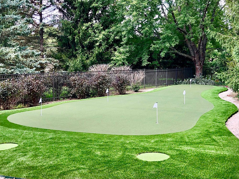 Downers-Grove-putting-green-WEB_008