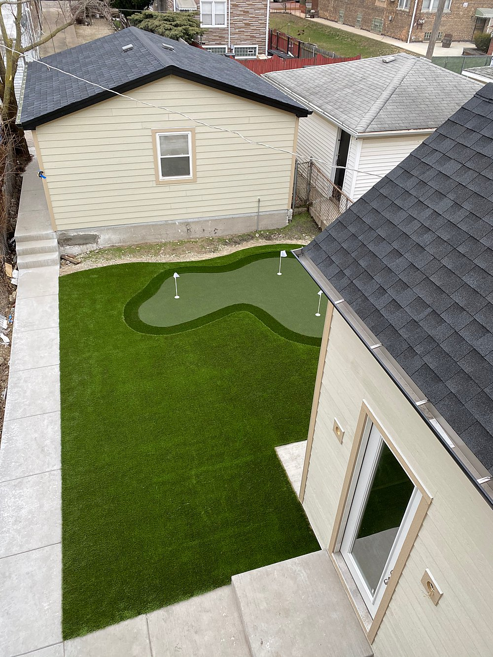 Windy-City-Rehab-Artificial-Lawn-Chicago_01-WEB